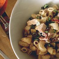 ensalada, pasta, italiana, pesto, albahaca, tomate, aceitunas
