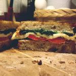 Sandwich de Queso Panela y Vegetales asados